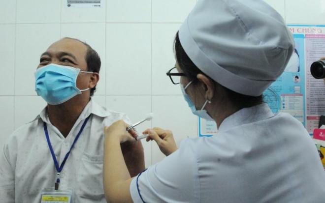 Bộ Y tế nói gì về việc nhiều địa phương xin tiêm vắc-xin Nano Covax? - 1