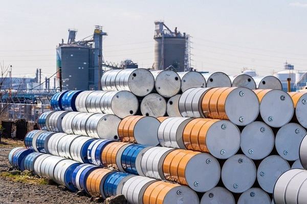 Giá dầu hôm nay 3/8: Tăng mặc dù hàng loạt sức ép lên sức cầu - 1