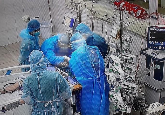 Hai nữ bệnh nhân mắc Covid-19 nguy kịch thoát ECMO ngoạn mục - 1
