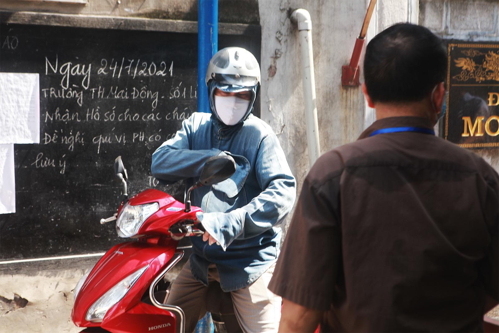 """Người dân ra vào """"vùng xanh không dịch"""" ở Hà Nội như thế nào? - 12"""