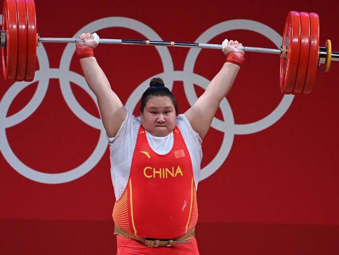 Nữ VĐV Trung Quốc 150kg phá 3 kỷ lục Olympic, thống trị hạng cân đặc biệt - 1