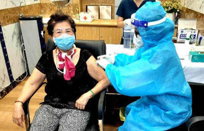 TP.HCM: Thêm 2.778 ca bệnh COVID-19 được xuất viện cùng ngày - 1