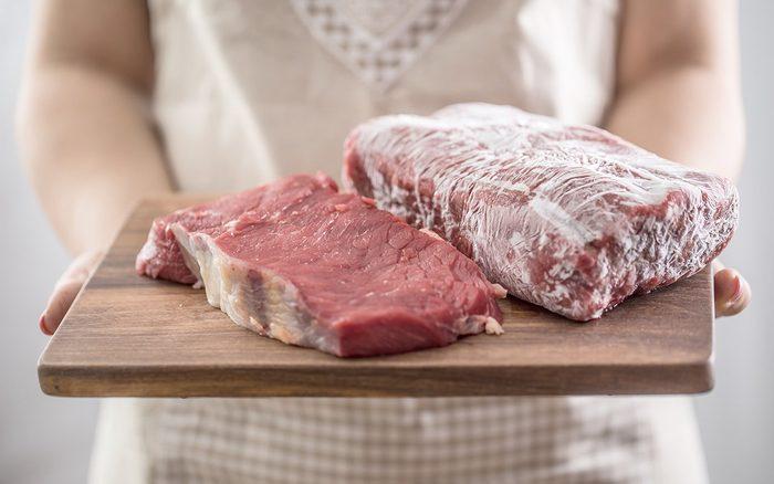 Cách bảo quản thịt bò tươi ngon cả tháng trong mùa dịch - 1
