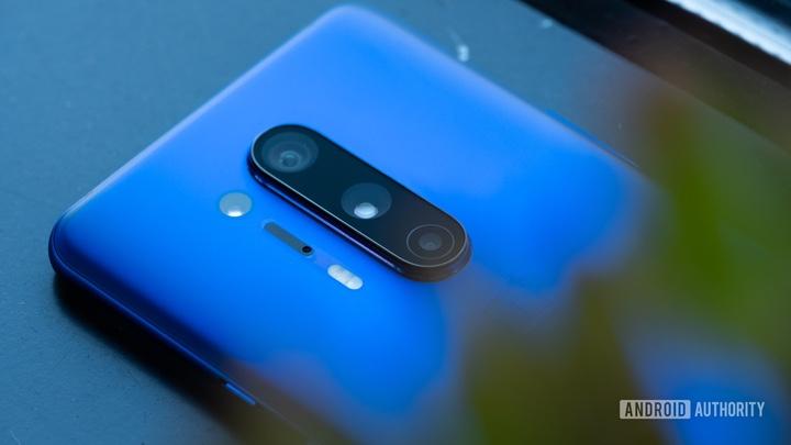 """Những smartphone thuộc hàng """"siêu phẩm"""" của 2020 vẫn rất đáng mua trong năm 2021 - 5"""