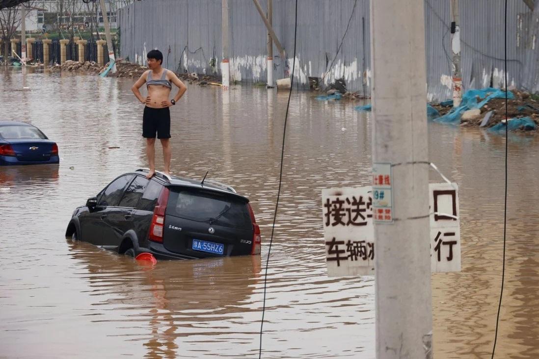 Vì sao số người chết trong lũ lụt thảm khốc ở TQ tăng đột biến lên gấp 3? - 1