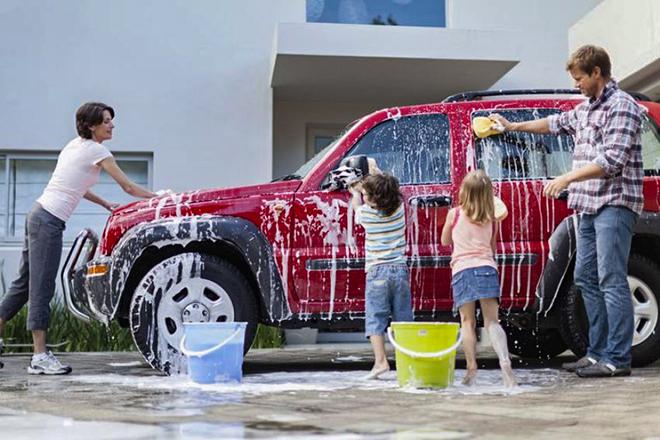 Rửa xe tại nhà giữa mùa dịch bệnh và những điều cần lưu ý - 1