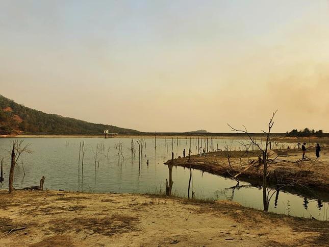"""Đập Tân Sơn: Chẳng phải khu du lịch nhưng nơi đây có nhiều góc """"sống ảo"""" đẹp ngỡ ngàng - 1"""