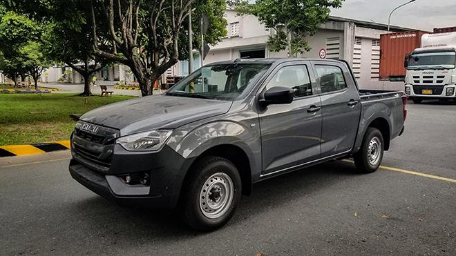 Ảnh thực tế xe bán tải Isuzu Dmax có giá bán chưa đến 500 triệu đồng - 1
