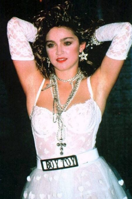 """Những trang phục mang tính biểu tượng của """"nữ hoàng nhạc pop"""" Madonna"""