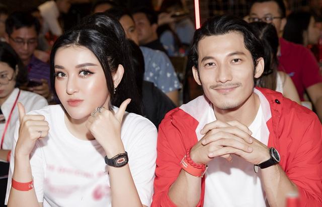 """Cô gái được mệnh danh """"quốc bảo nhan sắc Việt"""", đeo đồng hồ 3 tỷ dẫn truyền hình là ai?"""
