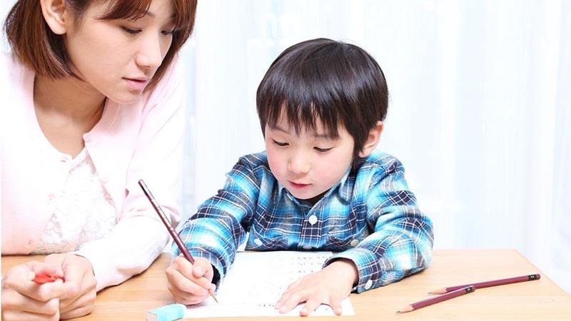 6 bài học cực kỳ thấm thía khi nuôi dạy các bé trai, bố mẹ cần chú ý - 1