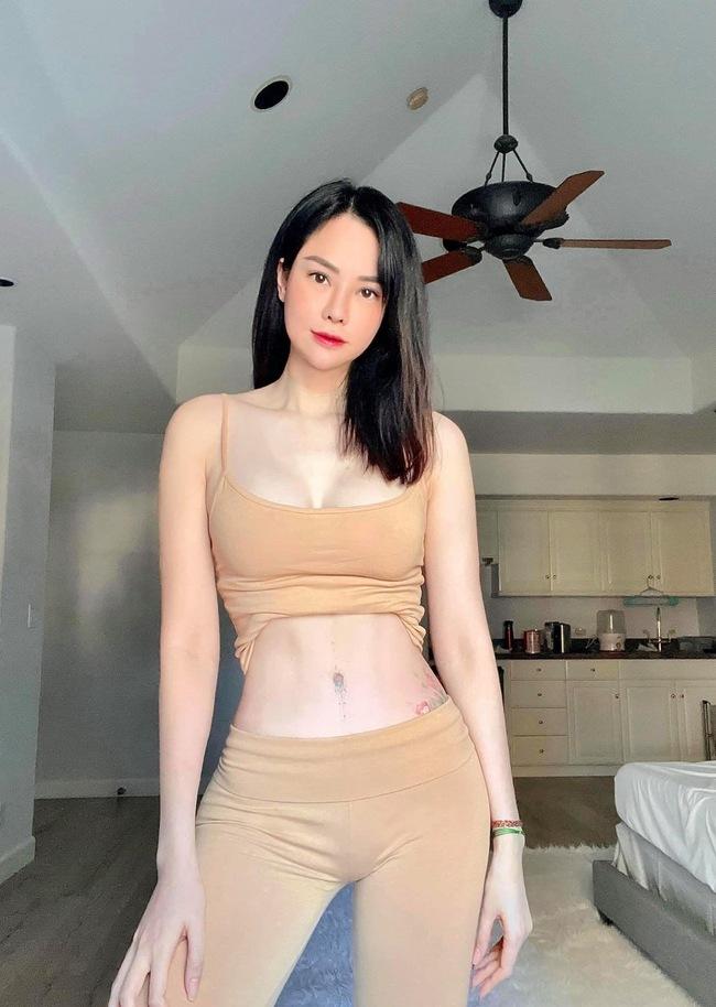 Mới đây, trên trang cá nhân, cựu người mẫu Đào Lan Phương thu hút nhiều sự chú ý khi đăng tải hình ảnh mặc đồ tập màu nude khoe đường cong hình thể gợi cảm.