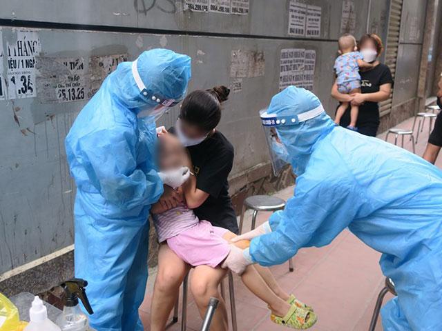 Điều tra vụ để lọt bé trai mắc COVID-19 từ TP.HCM về Hải Phòng - 1
