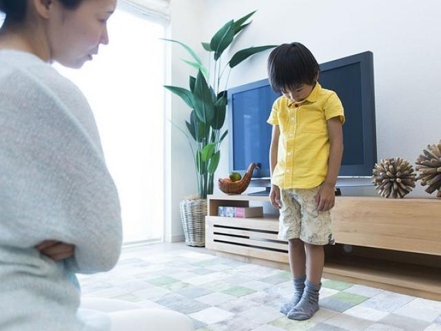 Bố mẹ thường xuyên la hét con cái sẽ bị giảm IQ, đặc biệt trong 3 trường hợp này - 1