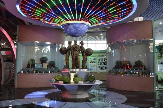 Những điều kỳ lạ du khách chỉ bắt gặp ở Trung Quốc - 1
