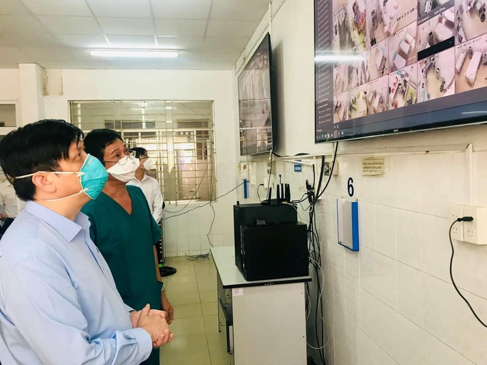 Bộ trưởng Y tế: Tăng cường xét nghiệm bóc tách F0 ra khỏi cộng đồng - 1