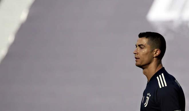 """Ronaldo về MU: Màn """"lật kèo"""" sốc nhất năm, hơn cả Messi về PSG vì sao? - 1"""