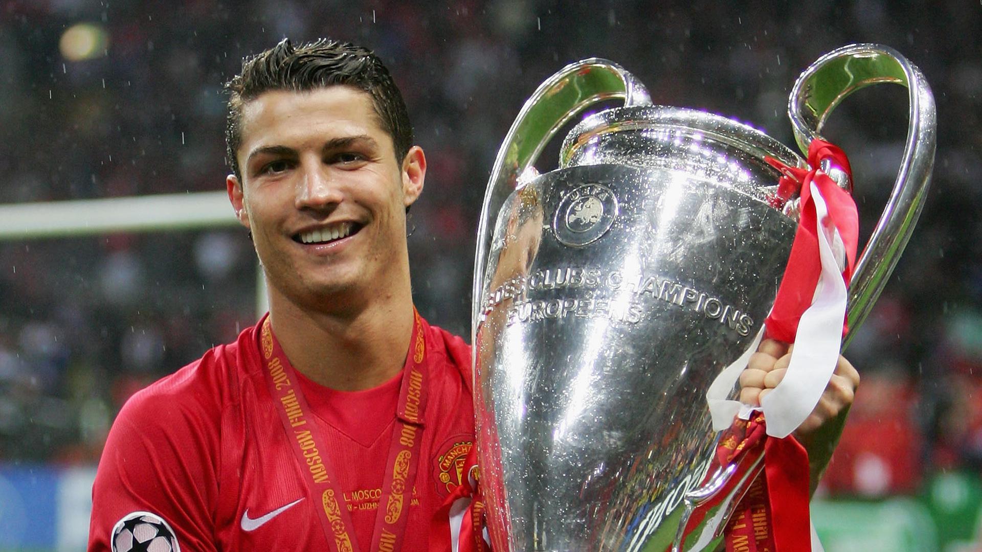 Siêu sao Ronaldo trở lại MU: Để vĩ đại nhất ở Old Trafford hay chỉ dưỡng già? - 15