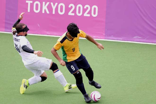 Brazil áp đảo ở môn bóng đá đặc biệt nhất thế giới: Ghi 11 bàn, giữ sạch lưới sau 3 trận - 1