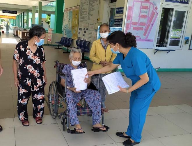 Cụ bà 101 tuổi ở Đà Nẵng chiến thắng Covid-19 - 1