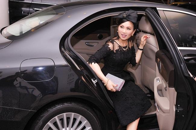 Khối tài sản khủng của em gái ca sĩ Cẩm Ly – người ủng hộ 100 tấn thực phẩm cho người dân TP.HCM - 1