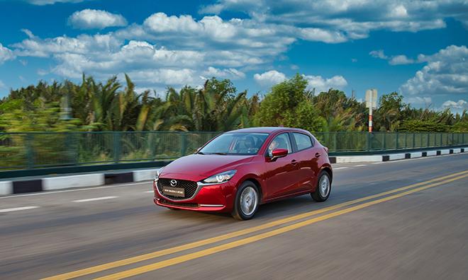 Giá xe Mazda2 lăn bánh tháng 9/2021, hỗ trợ tương đương 50% LPTB - 1