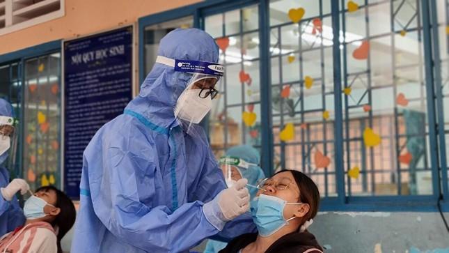 Từ bệnh nhân F0 đến tình nguyện viên tuyến đầu chống dịch - 1