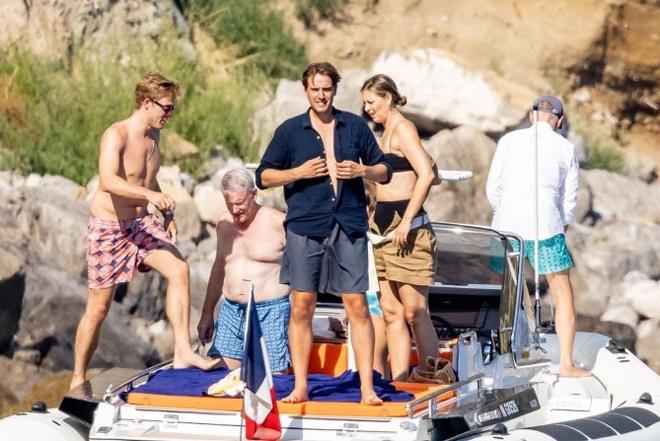 """Sharapova diện bikini lênh đênh với """"đại gia"""", giải nghệ vẫn giữ dáng đẹp - 1"""