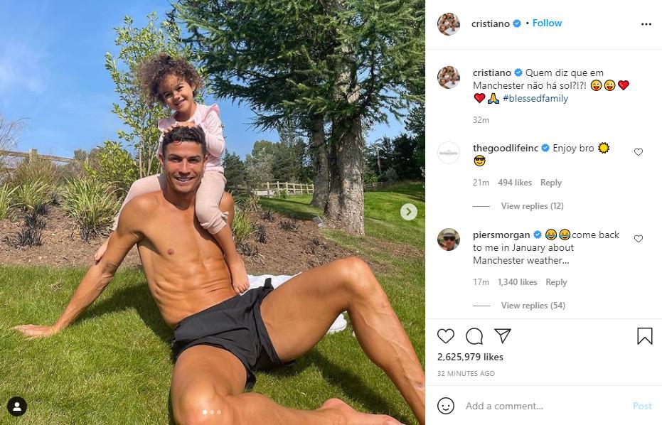 """Ronaldo lần đầu khoe ảnh nhà mới ở MU, fan Arsenal vào xỉa xói bị """"ném đá"""" dữ dội - 1"""