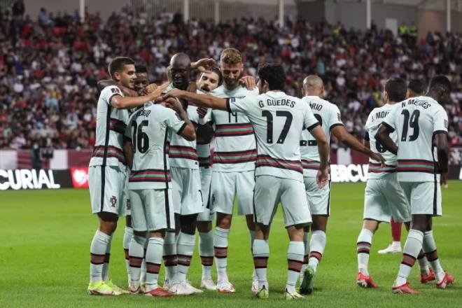 Video bóng đá Qatar - Bồ Đào Nha: Fernandes thay Ronaldo tỏa sáng, 2 thẻ đỏ ngỡ ngàng (Giao hữu) - 1