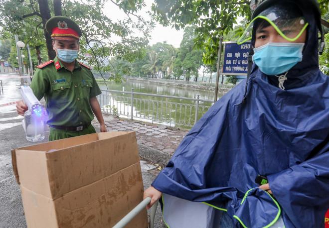 CLIP: Phong toả tạm thời khu vực chợ Đại Từ với 1.200 dân - 13