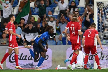 """Video bóng đá Italia - Lithuania: Thị uy sức mạnh, chiến thắng """"5 sao"""" (Vòng loại World Cup)"""