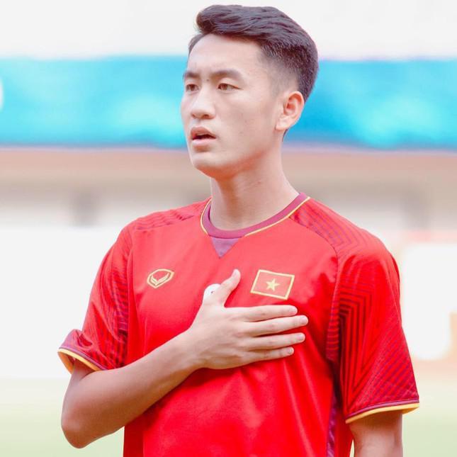 5 cầu thủ vừa được triệu tập lên ĐT Quốc gia Việt Nam: Toàn gương mặt hotboy Gen Z! - 1