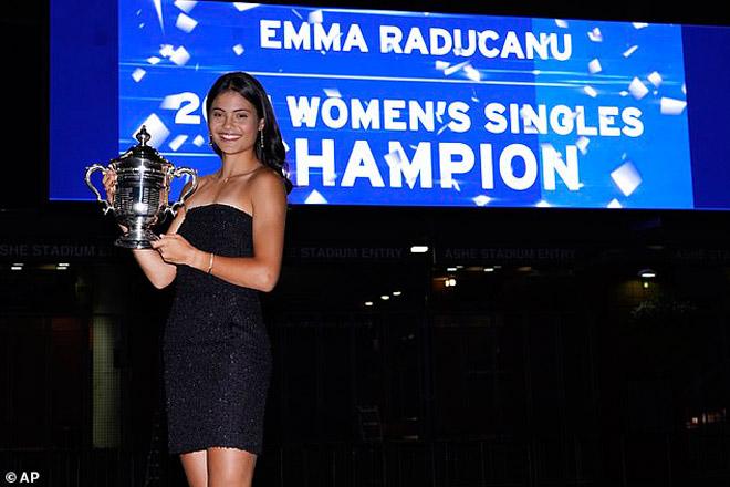 Mỹ nhân vô địch US Open khoe vẻ đẹp quyến rũ, Djokovic lại bị dìm hàng (Tennis 24/7) - 1