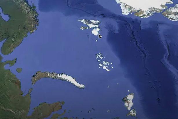 'Lướt' Google Earth, vô tình phát hiện căn cứ bí ẩn nghi của người ngoài hành tinh - 2