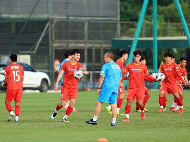 Trò cưng báo tin vui cho thầy Park trước trận gặp Trung Quốc - 1