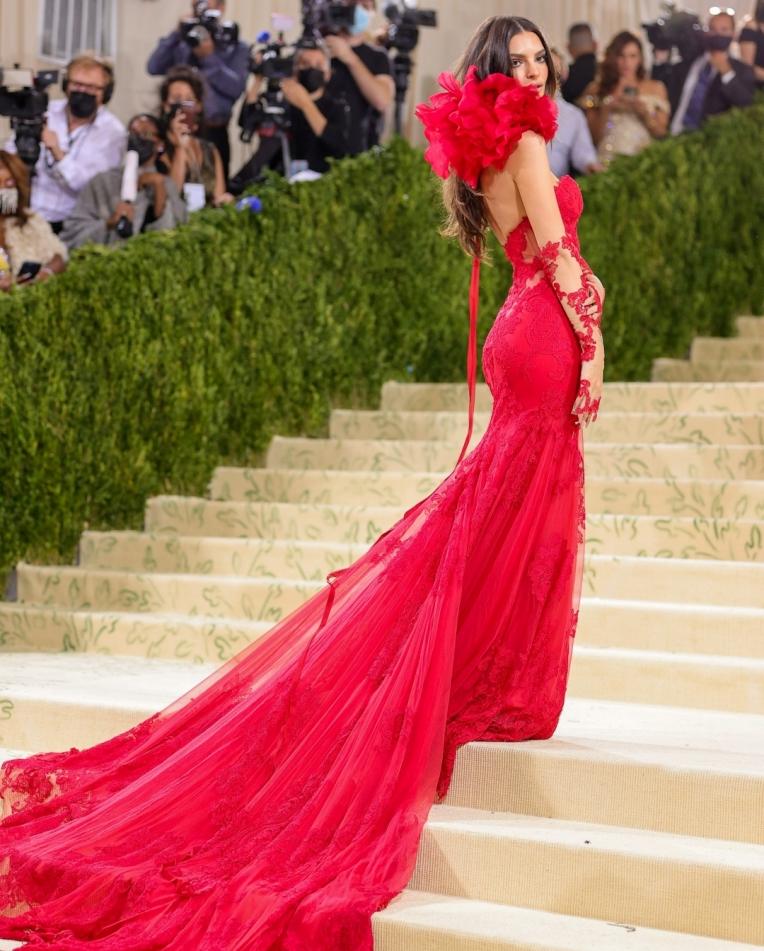 """""""Siêu tiệc thời trang"""" Met Gala: Kendall chiếm sóng với bộ váy không thể hoàn hảo hơn - 9"""