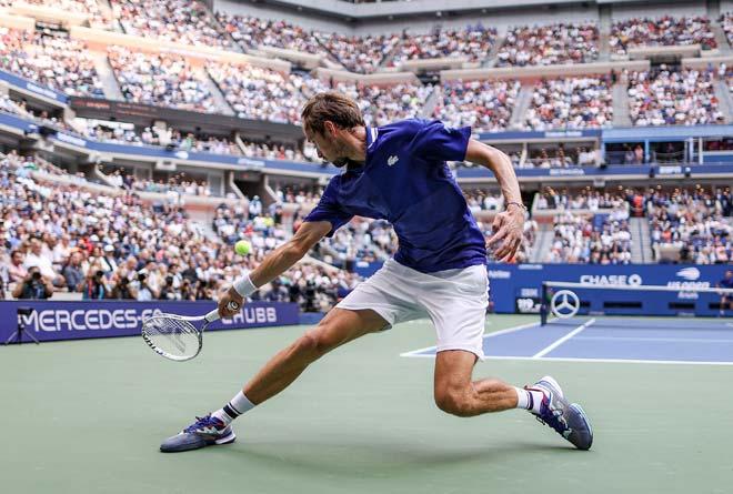 Lộ chiến thuật để Medvedev thắng Djokovic, giao bóng là điểm nhấn - 1