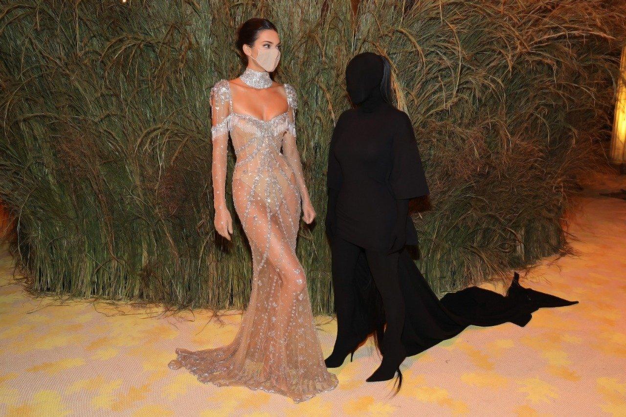 """""""Siêu tiệc thời trang"""" Met Gala: Kendall chiếm sóng với bộ váy không thể hoàn hảo hơn - 6"""