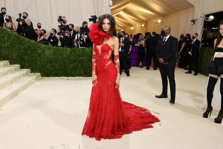 """""""Siêu tiệc thời trang"""" Met Gala: Kendall chiếm sóng với bộ váy không thể hoàn hảo hơn - 8"""