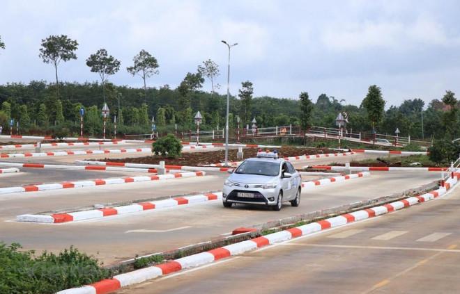 Sửa Luật Giao thông đường bộ: Bộ Công an sẽ quản lý đào tạo, sát hạch giấy phép lái xe? - 1