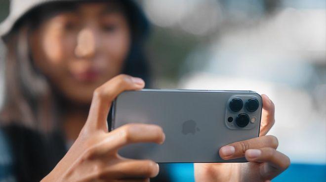 So kè loạt iPhone 13 và iPhone 13 Pro với các đối thủ sừng sỏ - 1