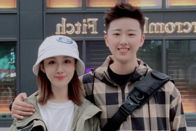 Chân dài bóng chuyền tiết lộ giới tính thật khiến fan Trung Quốc sững sờ - 1