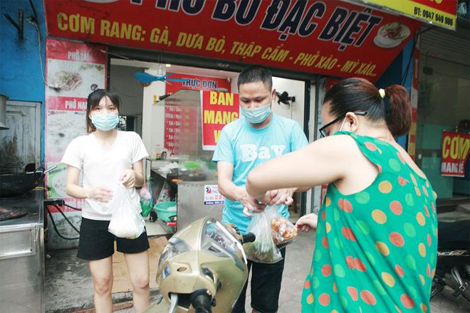 Nhiều quận, huyện ở Hà Nội được mở lại một số dịch vụ từ 12h ngày 16/9 - 1