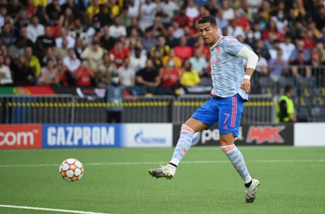 Ronaldo lập kỷ lục ngày MU thua, đua tài với Lukaku trên mọi mặt trận - 1