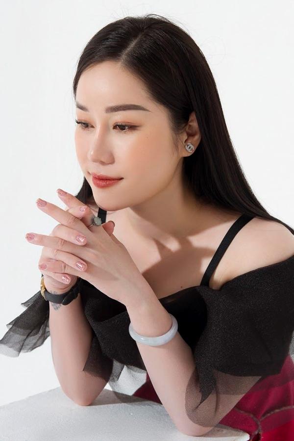 Minh Thuỳ - Hành trình từ mẹ bỉm sữa trở thành CEO mỹ phẩm Camellia H Cosmetics - 1