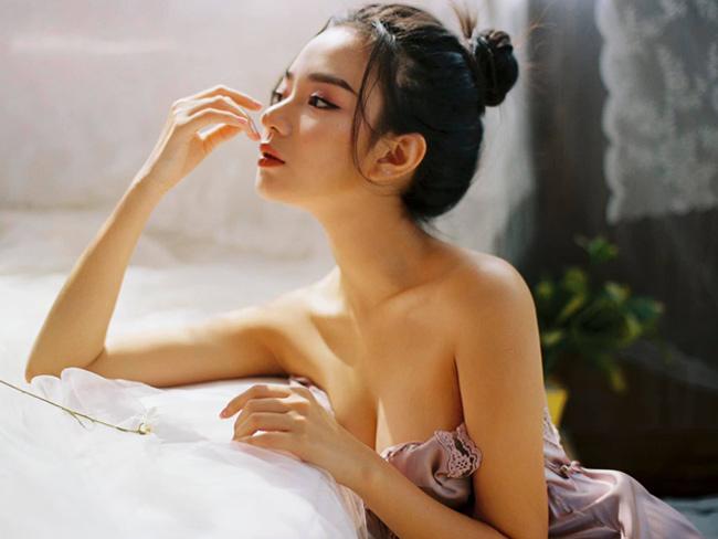 """Vũ Ngọc Kim Chi (22 tuổi) được mệnh danh là """"búp bê Hải Phòng""""."""