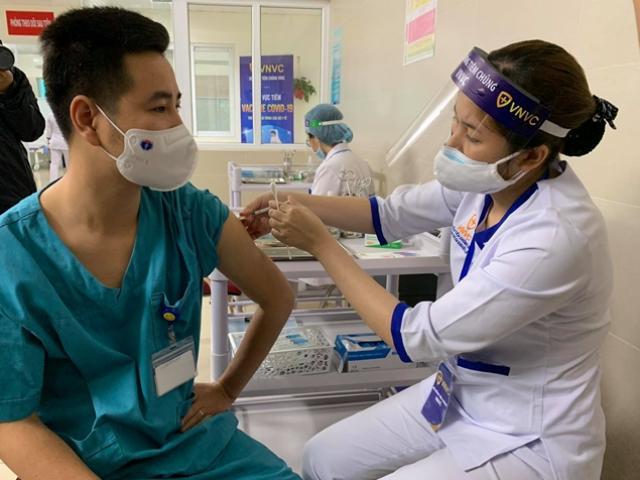 Bộ Y tế phân bổ vắc-xin COVID-19 cho 51 tỉnh, Hà Nội có 600.000 liều