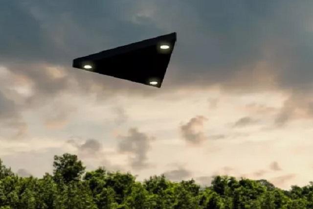 Sốc với những lần chạm trán UFO kỳ lạ đến mức không ai có thể giải thích - 1