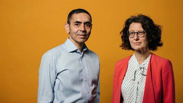 Bất ngờ với cuộc sống của cặp vợ chồng đứng sau vắc xin Pfizer - 1